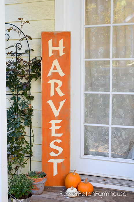 Fall Harvest sign, how to paint lettering for custom signs, FlowerPatchFarmhouse.com