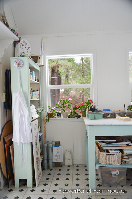 She Shed Studio Cottage Interior, FlowerPatchFarmhouse.com (8 of 10)