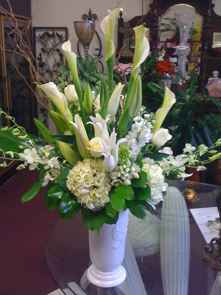 Friday Florist Recap 31  37 Presenting A Floral Cascade