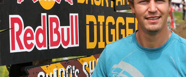 Red Bull - Bubi schpile, Bubi gsund!