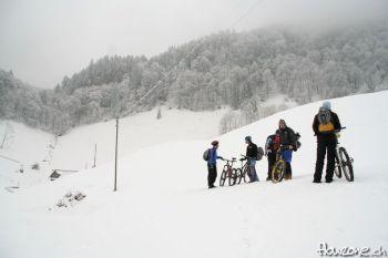 Lopper Loop Renggpass - Biken im Schnee Snowbike