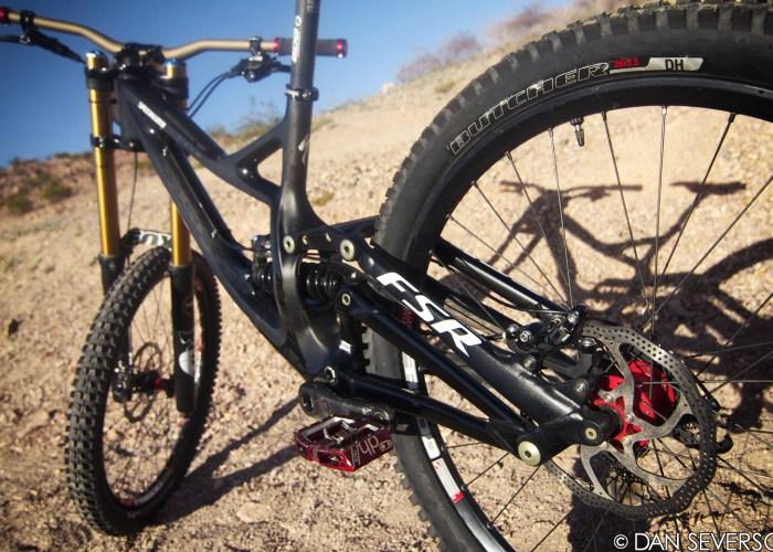aaron-gwin-specialized-demo-2013-bike-rear