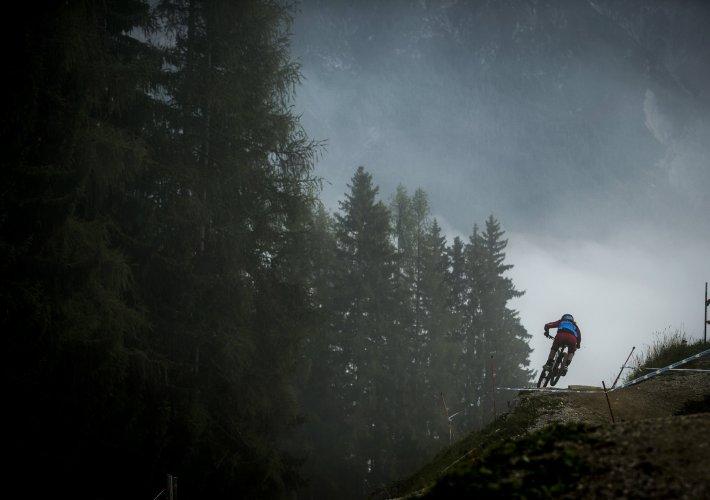 Jill Kintner beim UCI Downhill Weltcup Saison Abschluss 2013 in Leogang