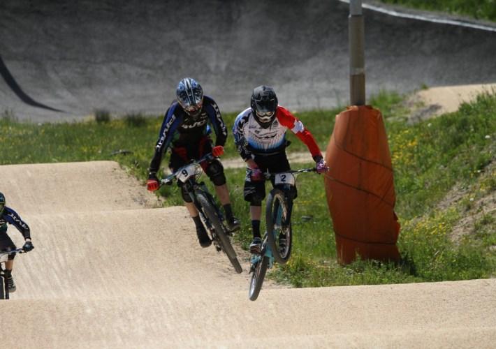 Bereits in der Qualifikationsvorläufen wurde mit harten Bandagen gekämpft. (Fotograf: Florian Gärtner – www.canonite.ch)