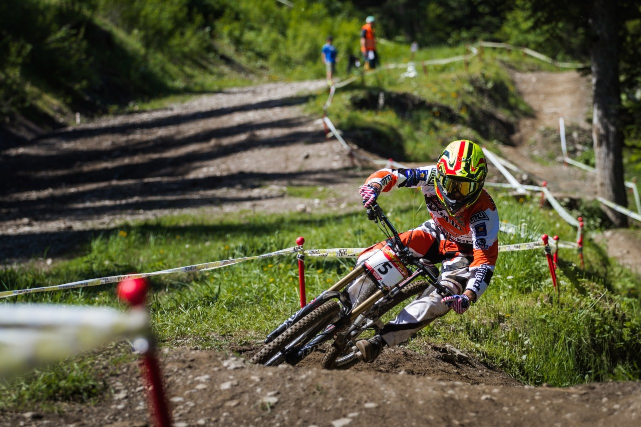 ixs-swiss-downhill-2015-Dylan Levesque - SDC Morgins 2015