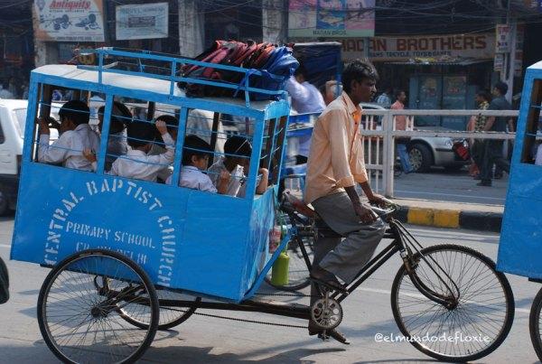 Bus escolar, Delhi