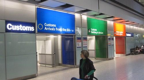 UK-airport-customs