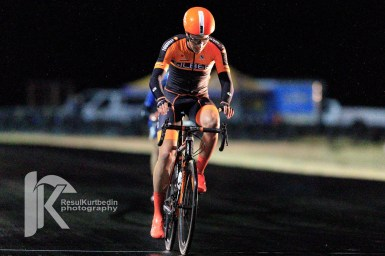 Zuke wins the Musselman Honda Criterium. ©Resul Kurtbedin Photography