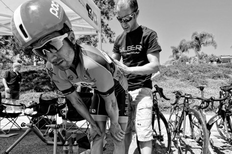 Pinning numbers, a bike racing ritual