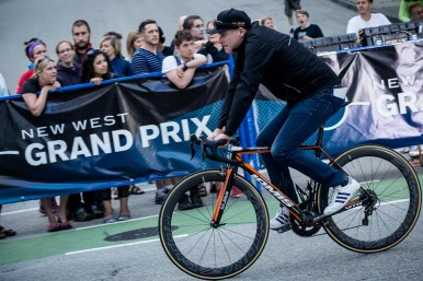 New West Grand Prix, Gord rides casually to his start position.