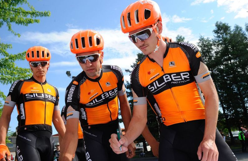 Riders that would play key roles in the race sign on. L-R: Adam Roberge, Emile Jean, Pier-André Côté #silberbullet ©VeloImages