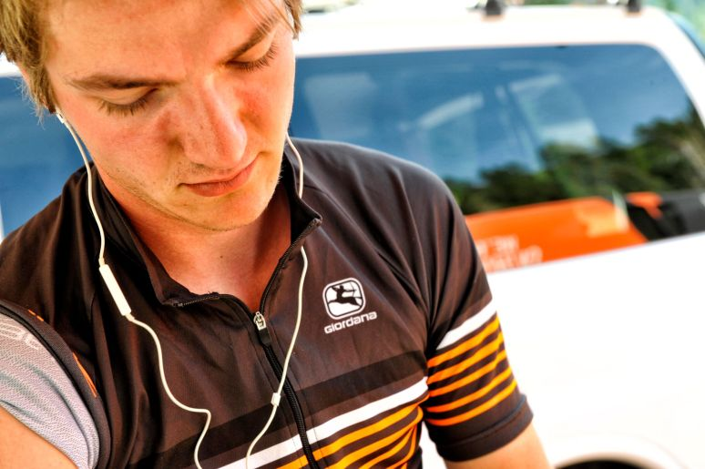 Relaxing in his Silber Café jersey before a TT © VeloImages