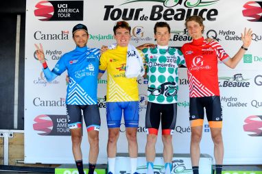Jersey podium ©VeloImages