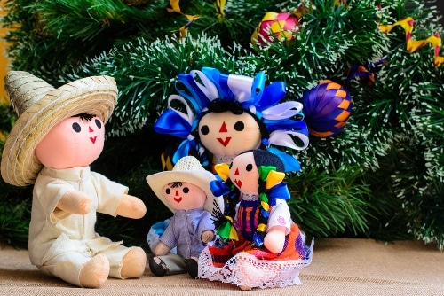 30 Heartfelt Spanish Christmas Greetings That Go Way