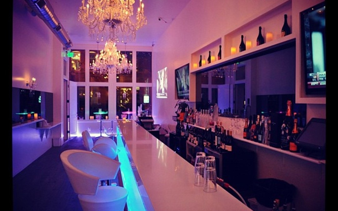 Salon – Cocktail Bar and Champagne Lounge – Nails – Make-Up – Blow-Dry and Styling Services