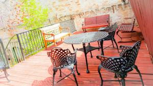 Fluff-Outdoor-Top-Level-Lounge-Area---Denver-Color-Salon.jpg