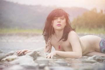 Model Laura BrokenDoll photos Medusa Wild Heart