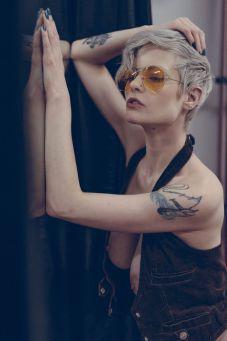 Photo Zeno Gill, model Henna