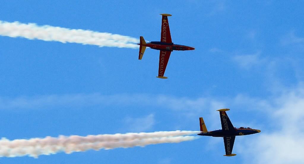 fly a jet fighter
