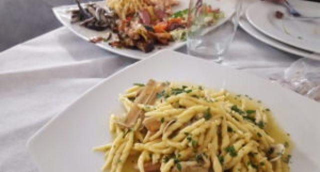 Antipasti de Pescado en restaurante de Putignano