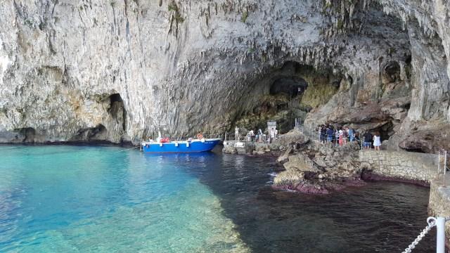 Entrada cueva Zinzulusa