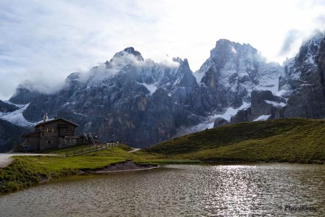 Refugio en ruta en las Dolomitas