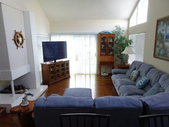 Huge sitting room and TV