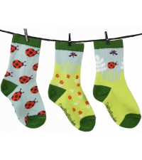 https://i0.wp.com/www.flying-mama.com/wp-content/uploads/2013/01/chaussettes-depareillees-giselle-la-coccinelle.jpg?resize=200%2C225