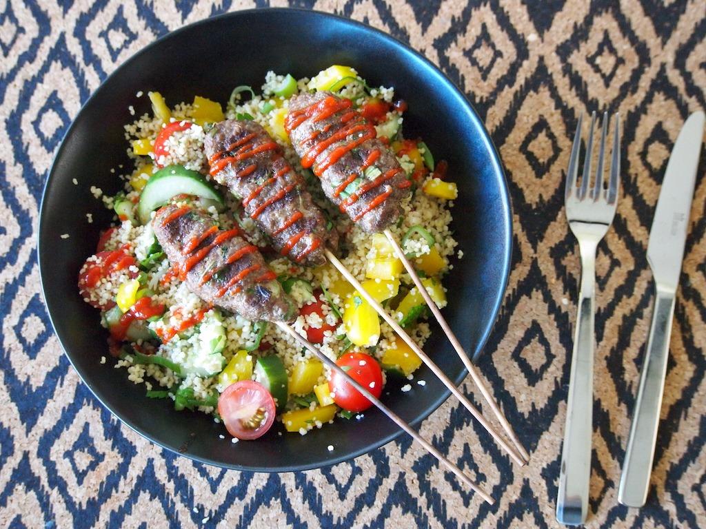 Kebabs met frisse couscoussalade lekker in de zomer