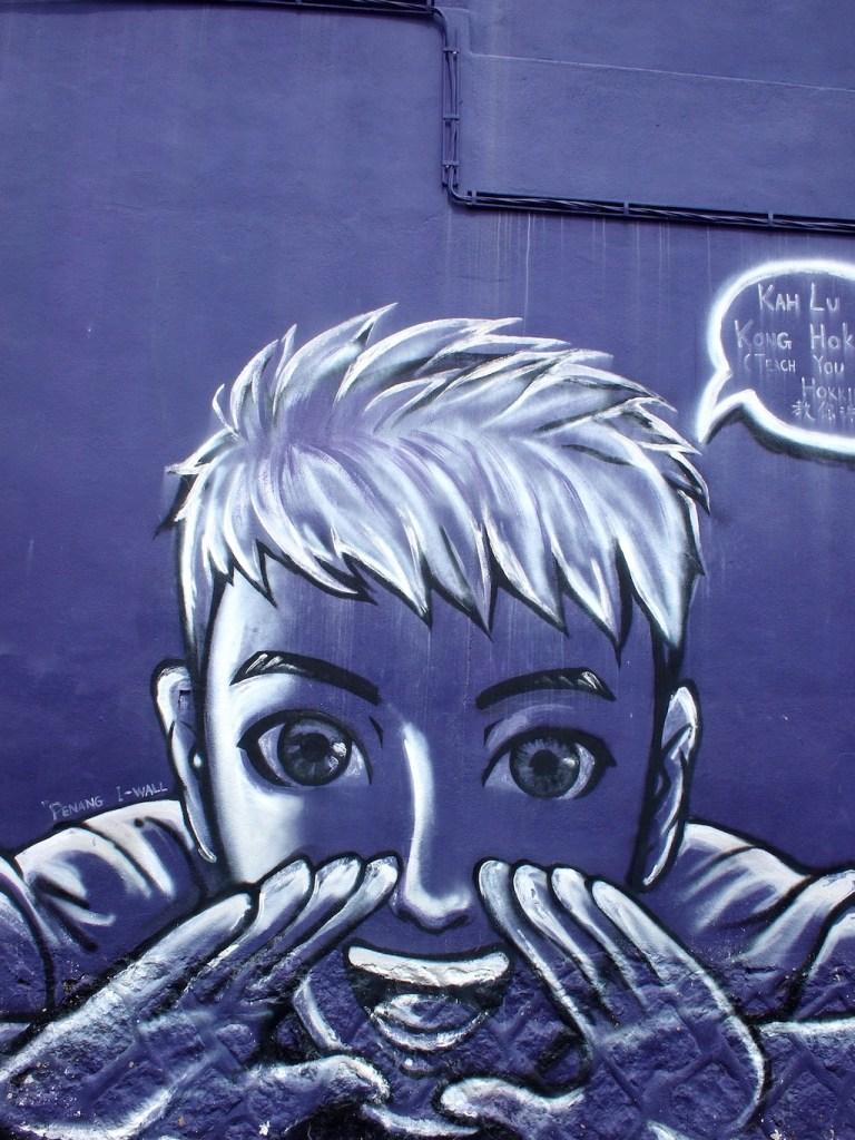 Streetart Penang paars gezicht