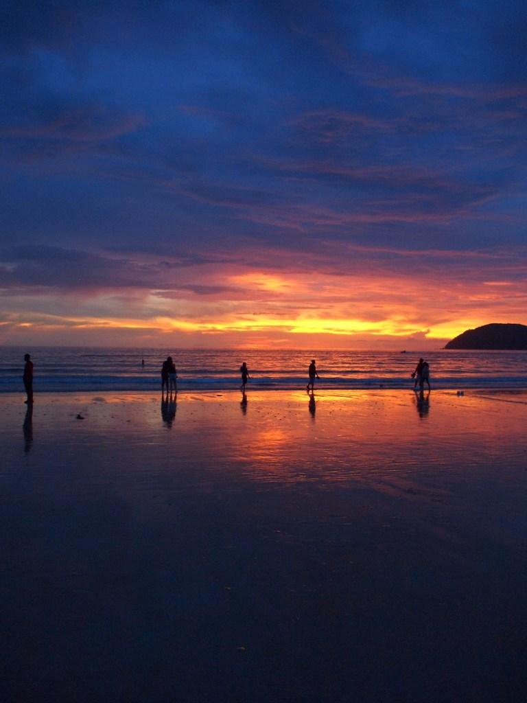 Prachtige zonsondergang Pantai Cenang Langkawi