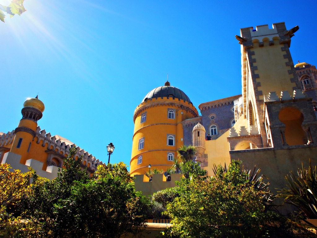 Sintra portugal geel kasteel