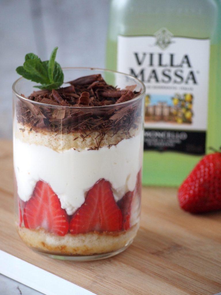 Villa Massa limoncello tiramisu met aardebeien