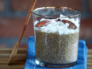 Chai Chia pudding ontbijt met pecan