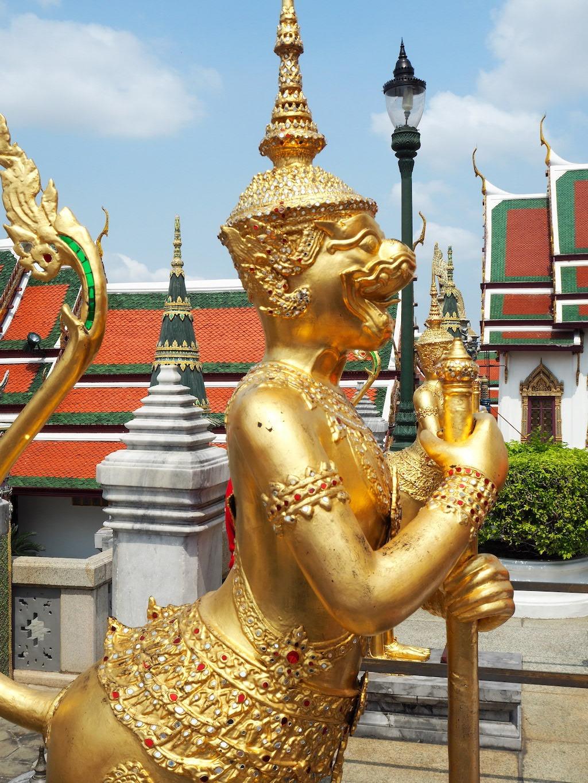 Gouden standbeeld grand palace bangkok