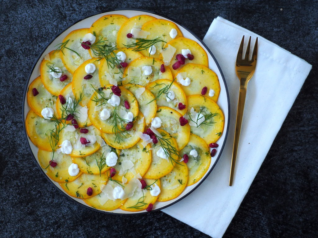 Gele courgette carpaccio