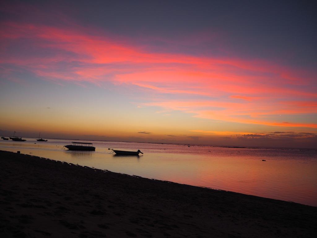 zonsondergang flic en flac mauritius