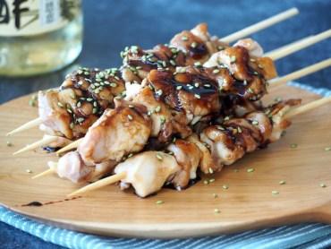 Japanse Yakitori met saus