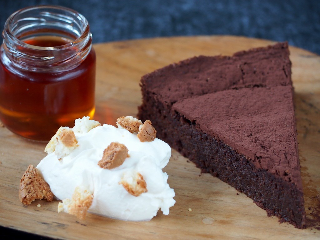 chocolate cake met amaretto