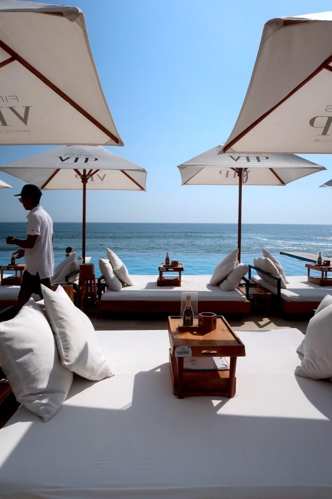 Finns beachclub Bali