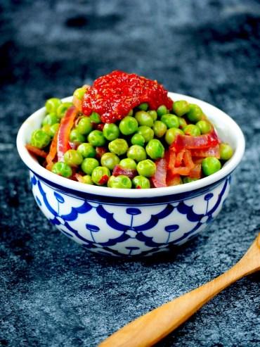 Pittige tuinerwten met sambal