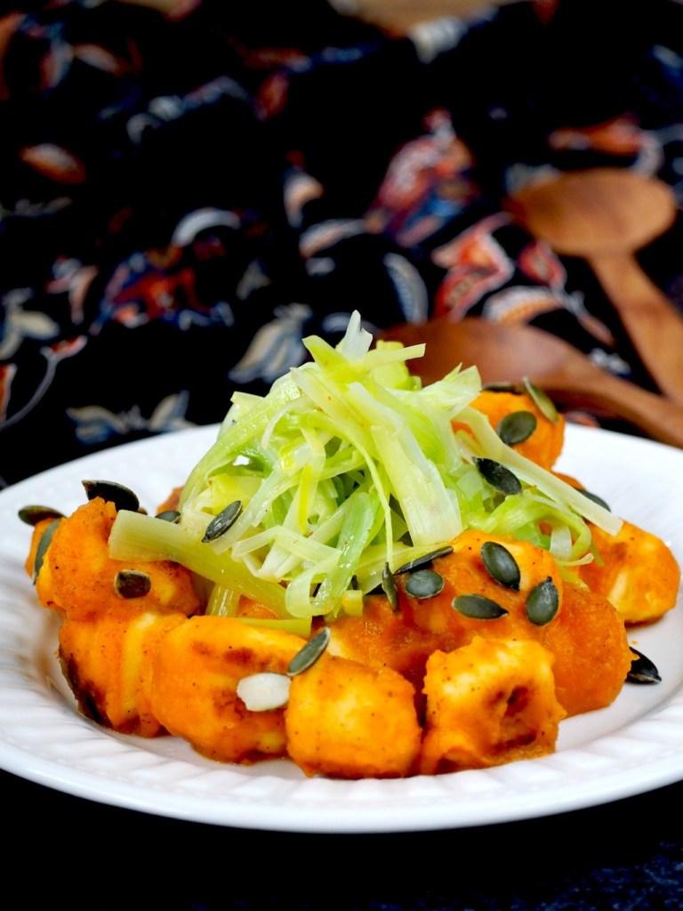 Gnocchi met aardperen pompoensaus