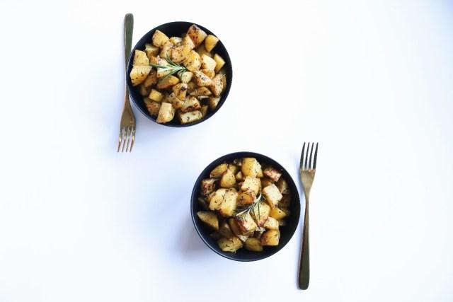 Knusprige Kartoffelwürfel aus dem Ofen (einfach & lecker)