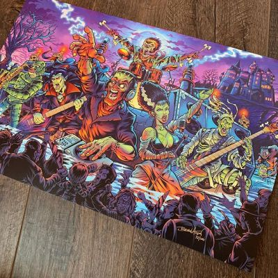 "For Pinball Fans: I have 30 of the LE Monster Bash alternative art prints left (out of 100). 11x17"" full-bleed, on card stock paper with archival inks. Signed and numbered. Officially licensed from Williams.I'm in the process of moving, so if you think this is a quick cash-grab... you're right! ;) Thanks for your support!What title should I do next? (leaning toward Attack From Mars).http://bit.ly/flyland-pinball#pinballart #pinballartwork #backglass #monsterbash #monstermash"