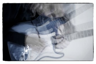 Gitarrenbilder mit Stroboskop–No. 4 || Foto: Ulf Cronenberg, Würzburg