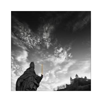 Würzburg No. 8 – Heiliger auf der Alten Mainbrücke || Foto: Ulf Cronenberg, Würzburg