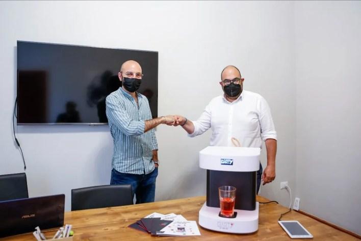 Corrado Sorge, amministratore unico di Hubstrat, e Alberto De Leo, co-founder di Prototipia, presentano Barty Mix