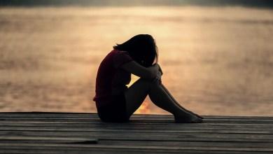 giovane triste NEET sud Mare