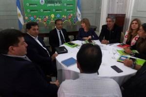 Cardozo coordinó estrategias de salud con Paraguay