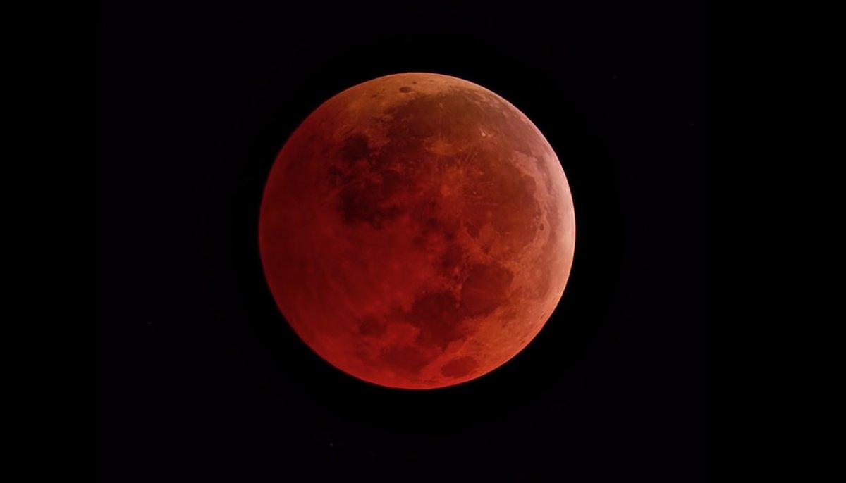 """""""Show lunar"""": habrá eclipse, superluna y luna de sangre al mismo tiempo"""